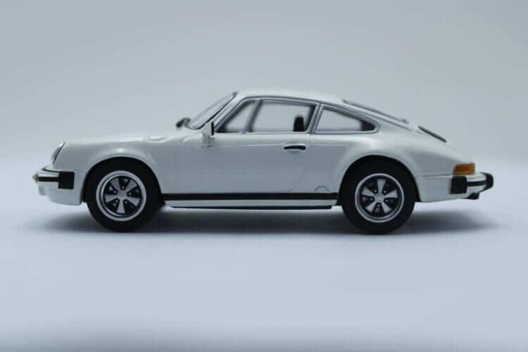 Hans Mezger 911 Carrera 3.0 Minichamps Modellauto